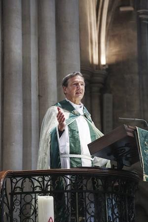 Mark Richardson preaching in Paris